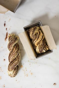 Chocolate Hazelnut Babka - fluffy brioche dough is rolled out and spread with a homemade hazelnut chocolate spread, sprinkled with chopped toasted walnuts, and rolled into swirly chocolatey loaves. The result is perfect for a coffee break, or an indulgent Chocolate Babka, Chocolate Spread, Babka Recipe, How To Make Bread, Sweet Bread, Tortillas, Coffee Break, Biscuits, Cookie Recipes