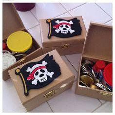 Cofre del tesoro para un temático de piratas - treasure chest party favors