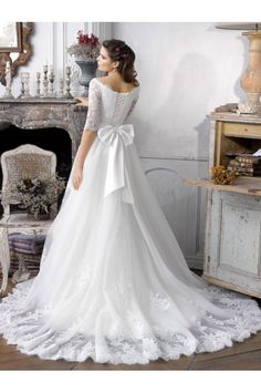 Scalloped-edge Half Appliqued Sleeves With Corset Back Court Train Beach Wedding Dresses