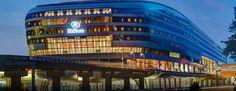 Das Hotel befindet sich im beeindruckenden THE SQUAIRE Gebäude, mit direktem Zugang zu Terminal 1 des Frankfurter Airports.