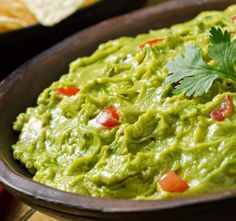 You'll Never Make Guacamole Any Other Way After You Try This Recipe! Guacamole is one of these recipes that every cook needs to know how to make. Dip Recipes, Mexican Food Recipes, Cooking Recipes, Ethnic Recipes, Avocado Recipes, Summer Recipes, Vegetarian Meals For Kids, Vegetarian Recipes, Healthy Recipes