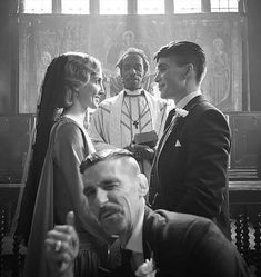 Find images and videos about love, black and white and wedding on We Heart It - the app to get lost in what you love. Peaky Blinders Grace, Serie Peaky Blinders, Peaky Blinders Thomas, Cillian Murphy Peaky Blinders, Cute Wallpapers Quotes, Wallpaper Quotes, Small Girl Tattoos, That One Friend, Fashion Quotes