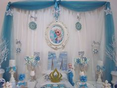 Pretty dessert table at a Frozen birthday party! See more party ideas at… Frozen 3rd Birthday, Elsa Birthday Party, Disney Frozen Birthday, Monster High Birthday, 6th Birthday Parties, Disney Frozen Party, Frozen Theme Party, Cumple De Frozen Ideas, Birthday Photo Booths