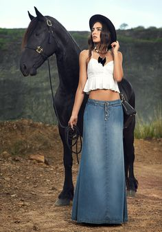 Cute skirt! What's wrong with this horses mouth?