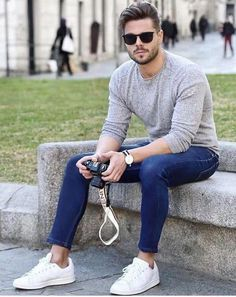 How To Style Casual Outfit For Guys Like A Pro! Source by naskobbystudios fashion men casual Outfits Casual, Style Outfits, Stylish Mens Outfits, Mode Outfits, Men Casual, Casual Styles, Casual Clothes, Mens Fashion Suits, 80s Fashion