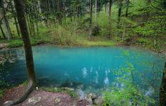 Devil Lake - Locvei Mountains Lake Blue Color, Bucharest, Eastern Europe, Cool Photos, Amazing Photos, Beautiful Landscapes, Romania, Montana, National Parks