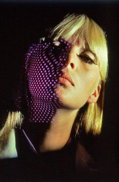 I am tired, I am weary I could sleep for a thousand years A thousand dreams that would awake me Different colors made of tears VENUS IN FURS, The Velvet Underground & Nico