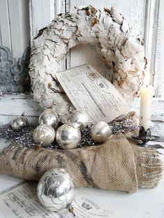 weihnachtlich dekorieren mit antikem Weihnachtshmuck