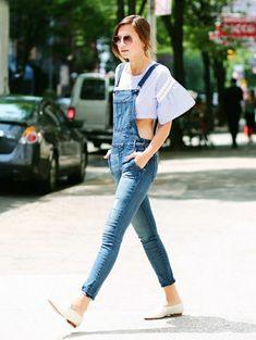 la salopette skinny, avec un t - shirt insolite, mode, tendance, lunettes de soleil rondes