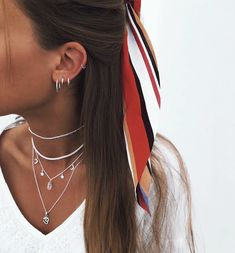 Dainty Silver Stud Earrings- minimal earrings/ modern studs/ simple earrings/ small stud earrings/ brithday gift/ gifts for her/ edgy studs - Fine Jewelry Ideas - ¿A quién le encanta el nuevo collar Sarisha? Piercing Chart, Lobe Piercing, Spiderbite Piercings, Piercings For Men, Ear Piercings Chart, Ear Peircings, Smiley Piercing, Piercings For Small Ears, Bellybutton Piercings