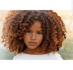 Girl with Afro hairstyle. Curly Hair Styles, Natural Hair Styles, Luscious Hair, Pelo Natural, Corte Y Color, Home Remedies For Hair, Hair Strand, Natural Beauty Tips, Beautiful Children