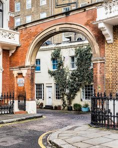 A beautiful arch at the entrance to one of Kensington's mews streets in London. #london #kensington #arch