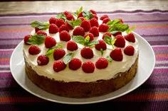 Here is a simple recipe for making Raspberry Cake. Now that you know how to cook raspberry cake at home. Repeat exactly all the tips and tricks, and you definitely get a delicious homemade raspberry pie. Homemade Cake Mixes, Homemade Vanilla, Raspberry Cake, Raspberry Cheesecake, Strawberry Pie, Food Cakes, Cake Mix Recipes, Dessert Recipes, Dessert Food
