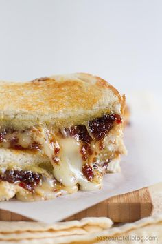 Three cheeses are combined with a sweet, salty and tart bacon jam for the Ultimate Grilled Cheese sandwich. This post has been sponsored by Jones Dairy Farm. Ultimate Grilled Cheese, Grilled Cheese Recipes, Bacon Recipes, Jam Recipes, Cooking Recipes, Grilled Cheeses, Grilling Recipes, Dinner Recipes, Brunch