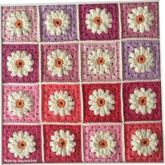 Close up - Daisy squares made by BautaWitch