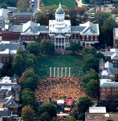 ESPN Gameday at #Mizzou homecoming 2010 - SHATTERED the previous attendance record!
