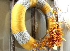 fall ish wreath...Really love the colors of yarn together