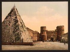 Bellissima foto anticata della Piramide Cestia a pochi metri dal nostro Hotel Pyramid