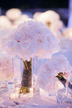 White Peonies, bridesmaids bouquets #sparklingeverafter