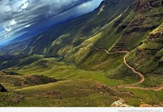 Sani Pass is a well-known mountain path (highest road in South Africa) from the Drakensberg mountains in South Africa into Lesotho. 1200 Gs Adventure, Kwazulu Natal, Wale, Out Of Africa, Africa Travel, Countries Of The World, Places To See, Beautiful Places, Hello Beautiful