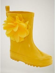 I would pray for rainy days if I had these super sunny boots to wear!