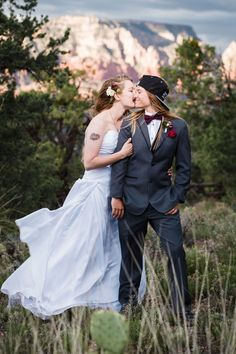 Stunning Same-Sex Wedding Photos That Are So Full Of Love - pintogotop Lesbian Wedding Photos, Cute Lesbian Couples, Lgbt Wedding, Lesbian Love, Wedding Suits, Wedding Attire, Art Gay, Two Brides, Lgbt Love