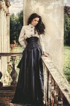 Gorgeous Neo-Victorian look. This is from the Steampunk Fashion Guide's Guide to Corsets: Victorian woman in underbust corset