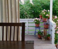 På tide å få pelargoniene opp av kjelleren - UNNIBETHS URTER Deck, Outdoor Decor, Home Decor, Decoration Home, Room Decor, Front Porches, Home Interior Design, Decks, Decoration