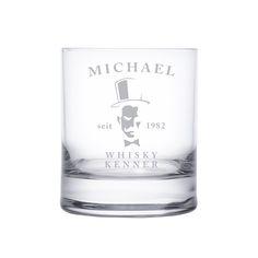 Unser Whiskyglas mit Gravur - Gentleman ist ein perfektes Glas für den perfekten Gentleman. Im klassischen Tumbler-Glas Design gehalten ist es das ideale Glas für Whiskygenießer und solche, die es werden wollen.