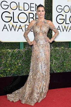 Golden Globes 2017 Red-Carpet. Sophia Vergara never fails to disappoint.