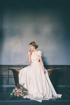 Classical and oh so romantic!...Elmore Court Wedding shoot featuring our William Holland Copper Bath. #copperbath #luxury #interior
