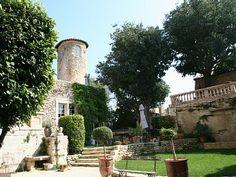 Schloss / Burg Goult
