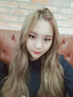 Find images and videos about kpop, gfriend and umji on We Heart It - the app to get lost in what you love. South Korean Girls, Korean Girl Groups, Kim Ye Won, Wattpad, I Love Girls, Pretty Girls, Entertainment, G Friend, Korean Singer