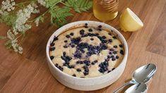 Gâteau citronné au miel - Cuisinez! - Télé-Québec Quebec, Baking Ingredients, Cookie Dough, Nom Nom, Pudding, Fruit, Cake, Food, Honey