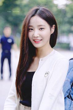 Kpop Girl Groups, Korean Girl Groups, Kpop Girls, Girls Be Like, Cute Girls, Korean Celebrities, Celebs, Asian Woman, Asian Girl