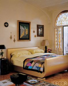 Donatella Versace Home Bedroom - StyleFrizz Versace Casa, Versace Home, Celebrity Bedrooms, Celebrity Houses, Donatella Versace, Elle Decor, Home Bedroom, Bedroom Decor, Master Bedrooms