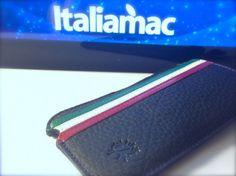 Custodia in vera pelle per iPhone, con tricolore e firmata MBcases