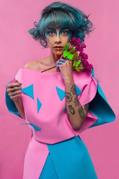 📷 @santiagoacostag @santiacosta_ph 💄 @aliciarber 💃🏼 @kamykazzi  tratemonosbonito photoday nikond610 nikon colombia fashion editorial avantgarde toys fashioncolors issues tattoos blue pink