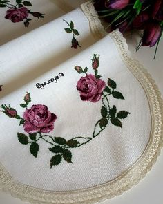 Crewel Embroidery, Cross Stitch Embroidery, Cross Stitch Owl, Bargello, Diy Home Crafts, Smocking, Flowers, Crochet, Cross Stitch Rose