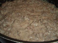 Hamburger gravy - my grandmother used to make this ♥ Amish Recipes, Cooking Recipes, Yummy Recipes, Recipies, Retro Recipes, Ham Recipes, Noodle Recipes, Sausage Recipes, Vintage Recipes