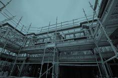 Cuántos tipos de andamios existen para obras de construcción. Cómo se monta un andamio en fachada homologado y desmonta. Clases, partes, consejos montaje
