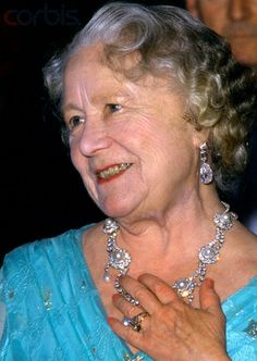 Queen Mother wearing a pearl and diamond necklace that go with the Rundell Tiara