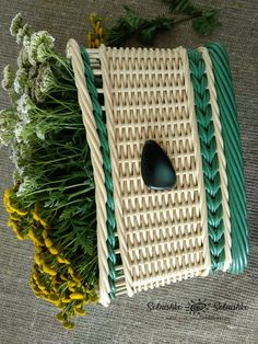 Солнышко Солнышко Newspaper Crafts, Old Newspaper, Rattan, Wicker, Paper Shoes, Basket Weaving, Recycling, Jar, Outdoor Decor