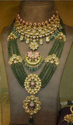 Buy Jewellery Online in India Indian Jewelry Sets, Indian Wedding Jewelry, Royal Jewelry, Jewelry Shop, Beaded Jewelry, Fashion Jewelry, Jewelry Design, Gold Jewelry, Bridal Jewellery