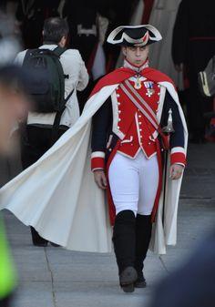 Military Men, Military History, Military Outfits, Hot Cops, Police Uniforms, Beefy Men, Royal Guard, Uniform Design, Men In Uniform
