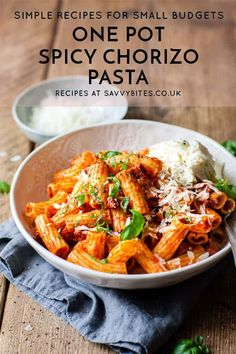 This easy one-pot chorizo pasta is the best 7 ingredient dinner you'll ever make. It's full of spicy chorizo, rich tomato passata and it all gets from your bowl to your face on the ridges of a perfectly al dente rigatoni noodle. The huge bonus is that all Aldi Recipes, Dinner Recipes, Cooking Recipes, Healthy Recipes, Spicy Pasta, Creamy Pasta, Pot Pasta, Pasta Dishes, Frijoles Refritos