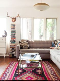 Decoração de: Sala de estar; tapete étnico; Casa de Valentina