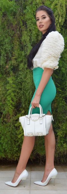 Green And White Outfit Idea by Laura Badura Fashion Office Fashion Women, Womens Fashion For Work, Work Fashion, Fashion Models, Fashion Site, Gowns Of Elegance, White Outfits, Types Of Fashion Styles, Baby