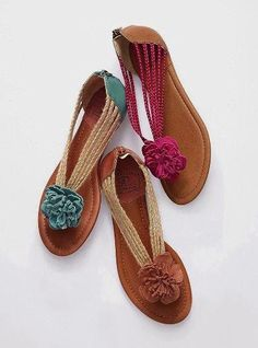 so cute flower sandals. Cute Sandals, Cute Shoes, Me Too Shoes, Shoes Sandals, Flip Flop Sandals, Flip Flops, Lucky Brand Shoes, Summer Shoes, Summer Sandals