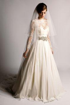 Best Designer Wedding Dresses - Vera Wang & more (BridesMagazine.co.uk) (BridesMagazine.co.uk) www.mirrormirror.uk.com